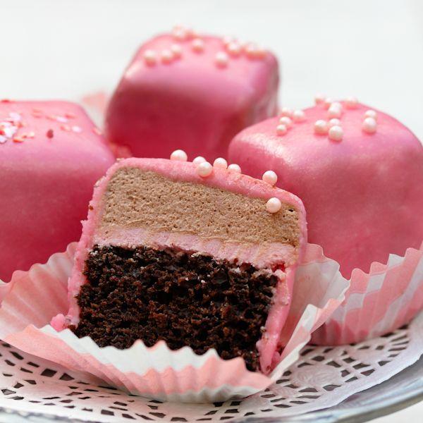 Chocolate Pomegranate Petit Fours: Desserts, Pomegranates Petite, Recipe, Chocolates Pomegranates, Petite Four, Yummy Food, Baking, Pink Treats, Valentine