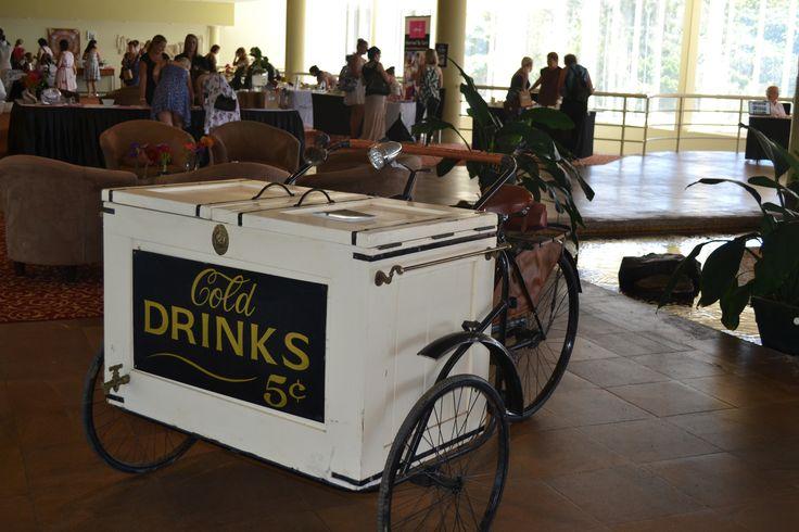Opal Cove Resort Coffs Harbour - Wedding Expo...Retro Drinks Cart