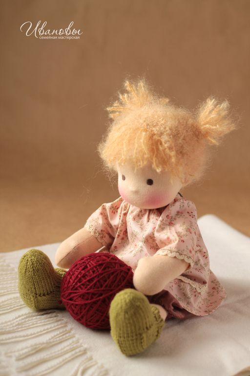 Вальдорфская игрушка ручной работы. Ярмарка Мастеров - ручная работа Вальдорфская кукла Непоседа. Handmade.