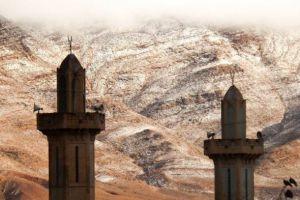 Gurun Sahara bersalju