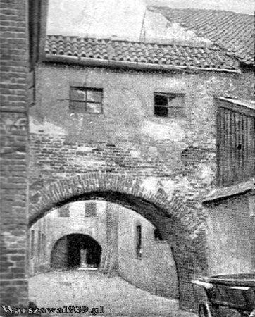 Warszawa w dwudziestoleciu międzywojennym - zaułek augustiański przy kościele św. Marcina, ul. Piwna, Stare Miasto