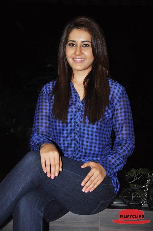 Rashi Khanna At Lakshmi Raave Maa Intiki Audio Launch