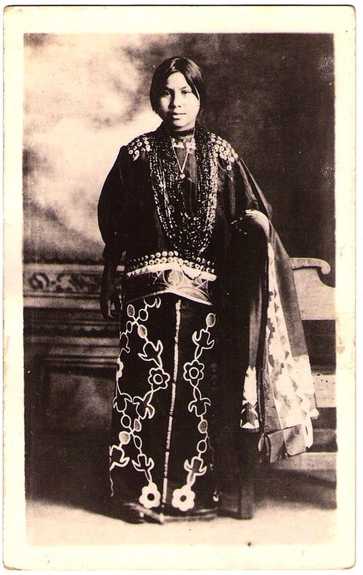 WINNEBAGO Woman, Early 1900s. Real Photo Postcard Edited Between 1915-1930.