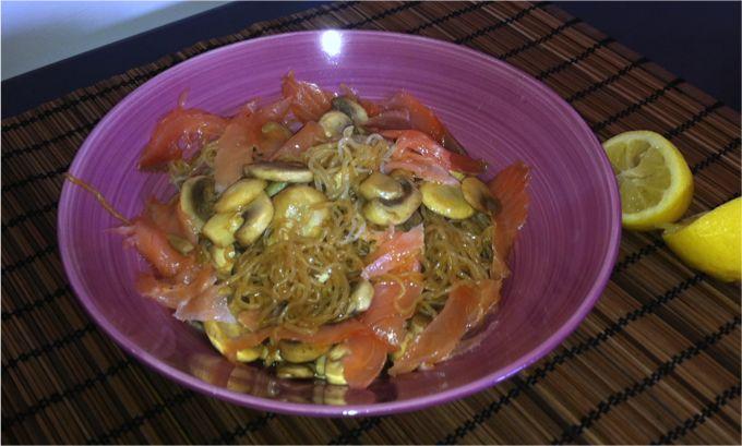 Receta de fideos shirataki con champiñones y salmón