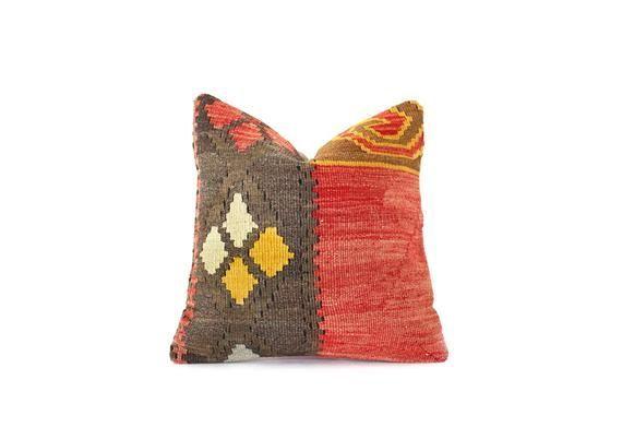 Kilim cushion Home design Home living Kilim pillow cover Kilim pillow Decorative pillow Turkish pillow Boho pillow Wintage pillow