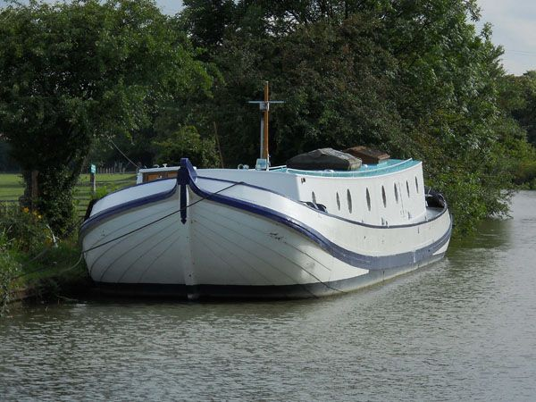 Canal Boats: Dutch Canal Boats For Sale