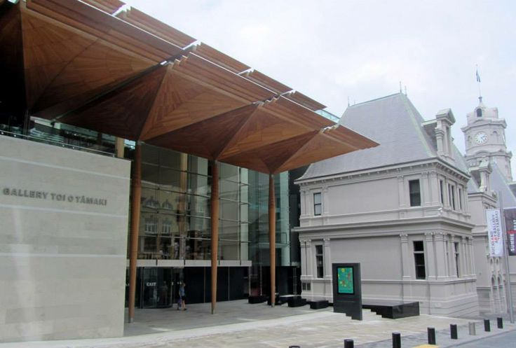 Auckland Art Gallery. Photo Credit: Graeme Cash. Copyright Exploring My Own Backyard, 2014. http://exploringmyownbackyard.com/2014/01/22/auckland-art-gallery-toi-o-tamaki/
