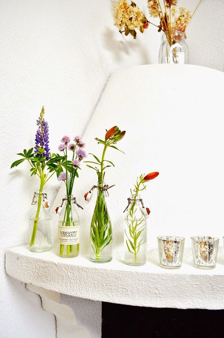 Flowers in a glass bottle. Color inspiration for the home <3
