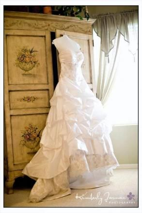 17 Best images about Used Wedding Dresses on Pinterest | Maggie ...
