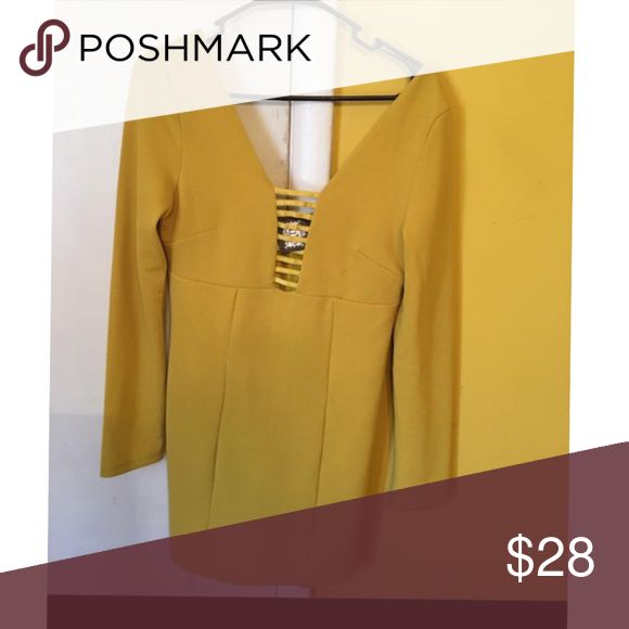Luxe Boutique dress Mustard Yellow. Low back. Low V between chest, but pulled together by ribbon. luxe Dresses Midi