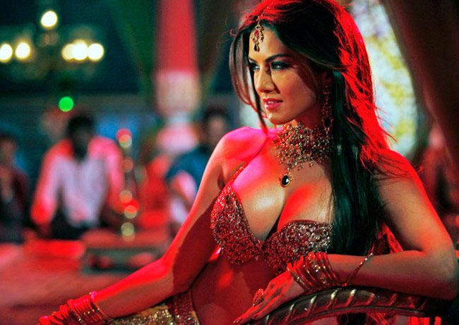 The Queen Of Seduction Sunny Leone Is Back With The Song -3824