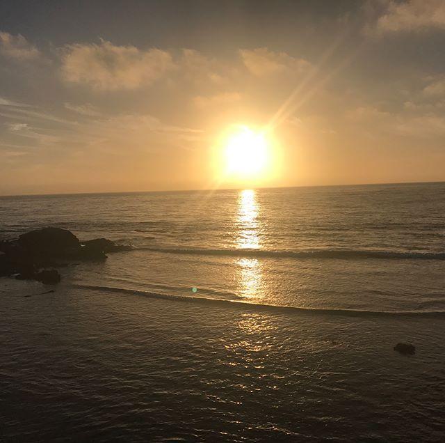 Я живу в Сан-Диего уже 9 месяцев и каждый день открываю для себя новые красивые места. Ещё в этом городе потрясающие закаты, как это ни странно, всегда разные.#повезломне #сандиего#sandiego #lajolla #моизакаты #lajollalocals #sandiegoconnection #sdlocals - posted by Lily Salira  https://www.instagram.com/lily.salira. See more post on La Jolla at http://LaJollaLocals.com