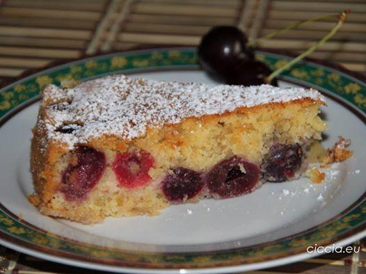 Un #dolce goloso e profumato preparato con #frutta di stagione  #TORTA DI #CILIEGIE
