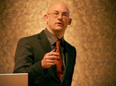 Clay Shirky: como a mídia social pode fazer história  FILMED JUN 2009 • POSTED JUN 2009 • TED@State