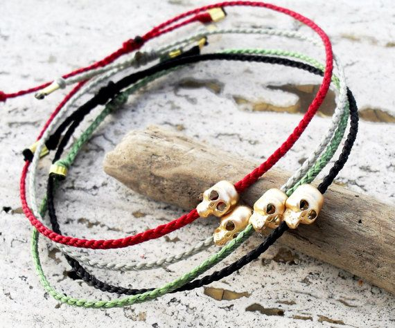 Mens bracelet Skull bracelet  gold skull bead on by Beadstheater