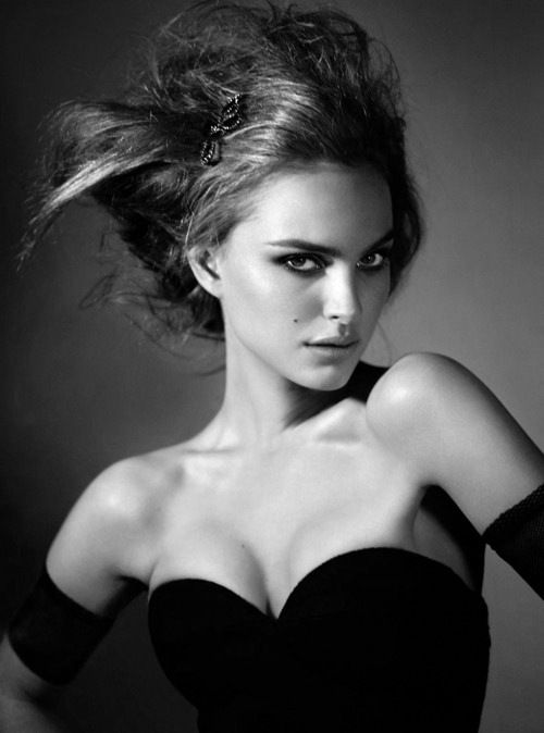 danslemondedemissga:    Natalie Portman by Mert and Marcus for W magazine (2005)