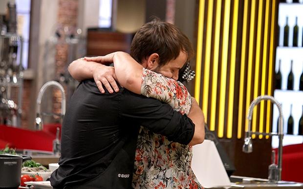 L'abbraccio tra Daiana e Ivan