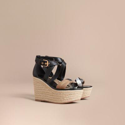 BURBERRY 가죽 하우스 체크 플랫폼 에스파드리유 웨지 샌들. #burberry #shoes #