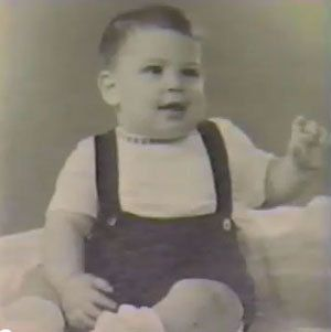 The only known photo of Steve Jobs in dungarees?