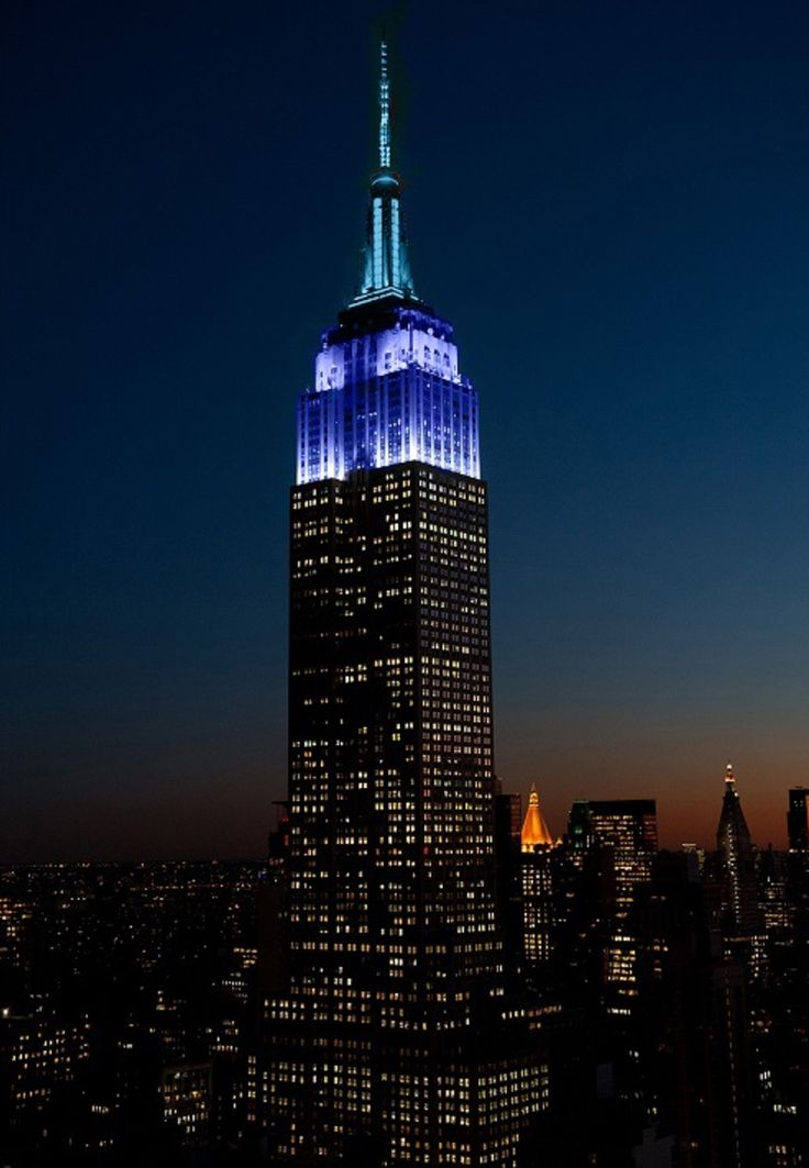 December 3, 2016: The Empire State Building shines in shades of blue tonight to wish @wqxr classical radio a happy 80th Anniversary.