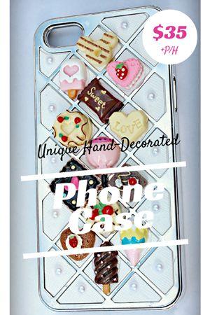 Sweet Mosaic \\ $35 \\ Phone Case \\ Hand-Decorated \\ iPhone 5 \\ MangoBerry Beach