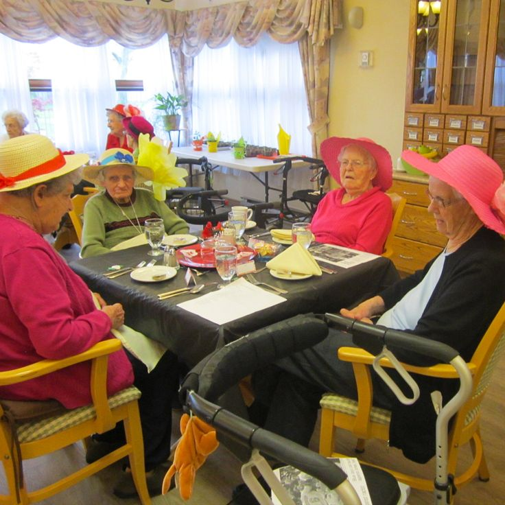 Look at the beautiful hats on these lovely ladies of the Hudson Manor Retirement Residence! #verveseniorliving
