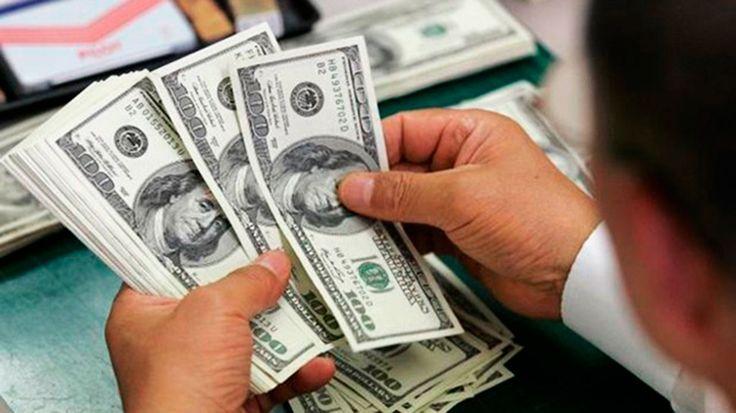 Comprar dólar agora é bom negócio?