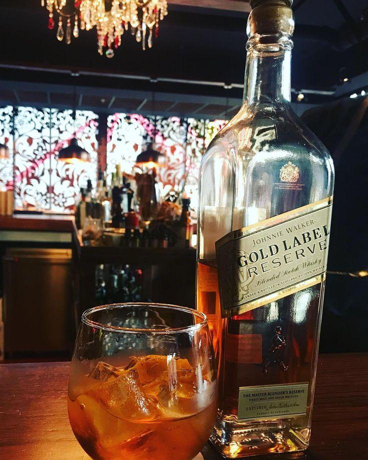 El rey de la Noche #jonniewalker #jonniewalkergold #goldman #estudiomillesimechile #estudiomillesime #bartender #bartenderlife #bar #bartenderlove