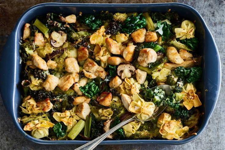Lekker makkelijk, want de oven doet al het werk - Verse pasta met cavolo nero en kip uit de oven - Recept - Allerhande