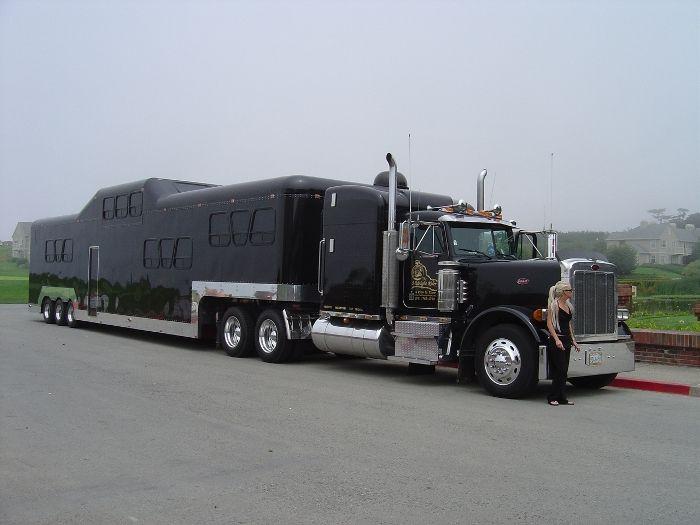 semi truck with bathroom. Best 25  Custom big rigs ideas on Pinterest Semi trucks peterbilt and Peterbilt