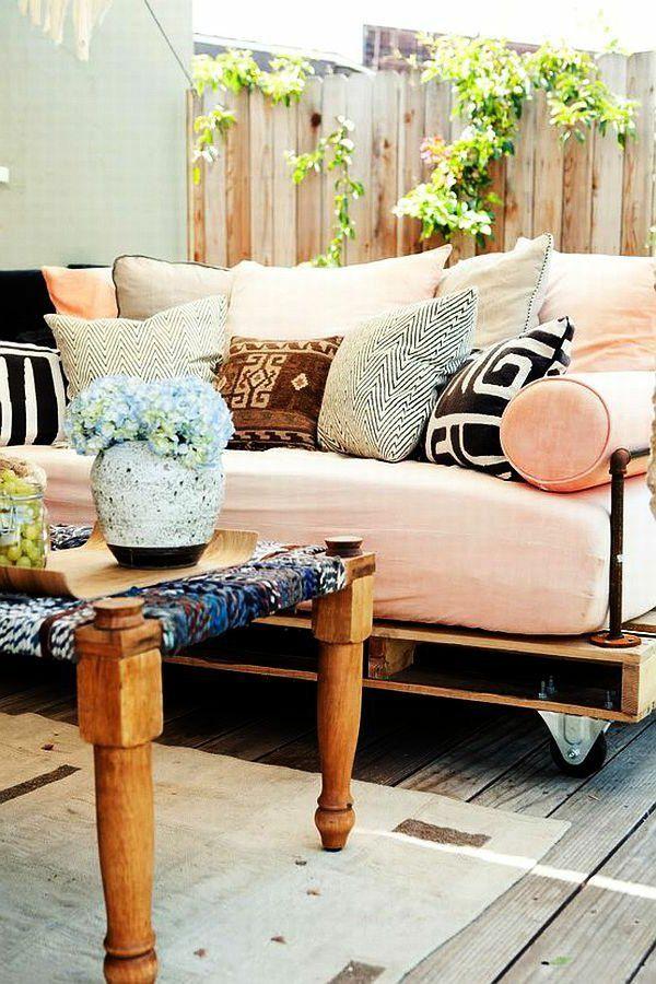 schöne sofas aus paletten für den garten