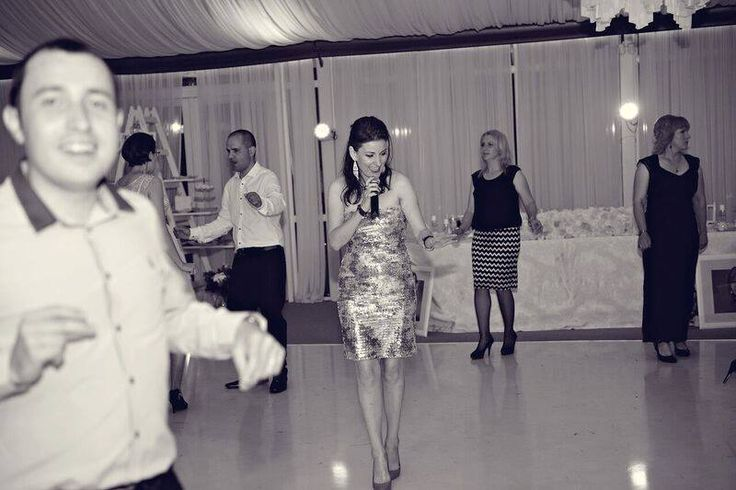 Formatii nunta Bucuresti pentru evenimentul dvs, pentru toate genurile, varstele si buzunarele.  Solistii profesionisti Ana Flavian au peste 1000 de melodii in repertoriu.  www.formatia-anaflavian.ro