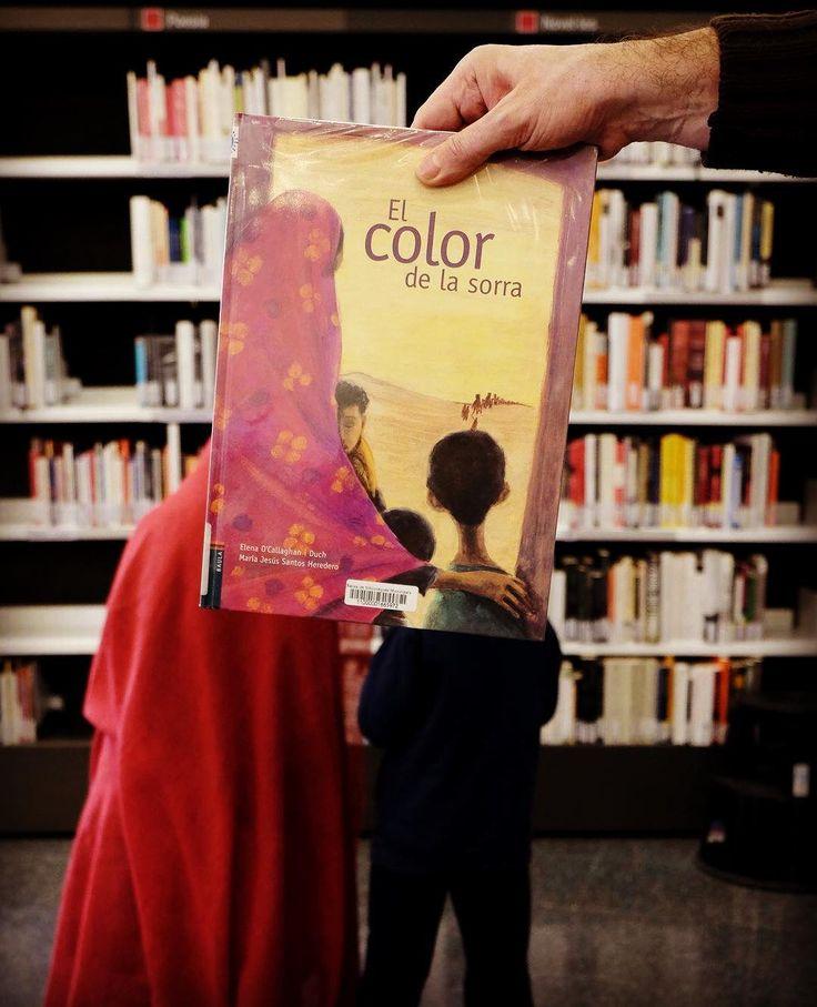 #bookfacefriday #lectura #biblio #color #sorra #niños #infantil #leer #libro