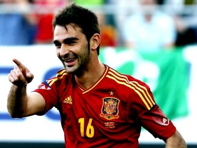 Al fin llegó el día en que Del Bosque dio la lista definitiva de España para la Eurocopa 2012. La lista fue más o menos lo que muchos vaticinaron. Pocos cambios. Los que las lesiones o la edad de los futbolistas obligaron al seleccionador. Por una parte estoy de acuerdo, como creo que lo estamos todos, en que el bloque de jugadores que fueron campeones del mundo debía mantenerse.     http://www.forzaatleti.com/2012/05/adrian-merecia-ir-a-la-eurocopa/