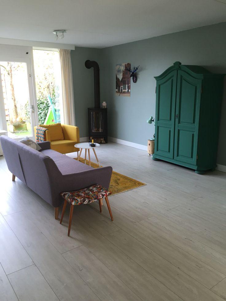 25 beste idee n over paarse woonkamers op pinterest paarse verfkleuren pruimen slaapkamer en - Kleur muur slaapkamer kind ...