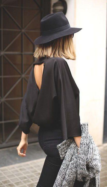 All black : pants, top, hat. Chapeau. GOAAAAL. Long bob. Carré blond. Gilet en laine gris.