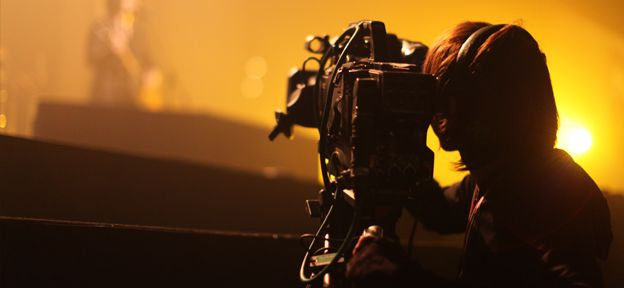 This Film Production technology degree offers you hands-on experience and tuition in the areas of film camera operation, lighting, audio acquisition and post-production.