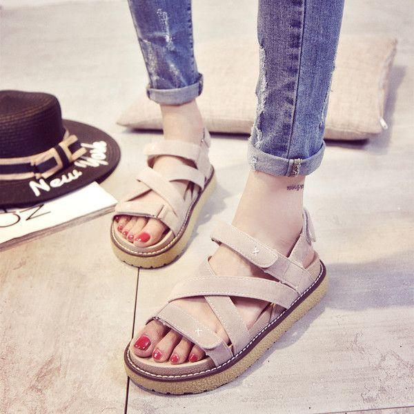 2017 лето новые плоские сандалии женские летние студенты в г-жа диких корейских толстым дном обувь с платформы обувь ребенка