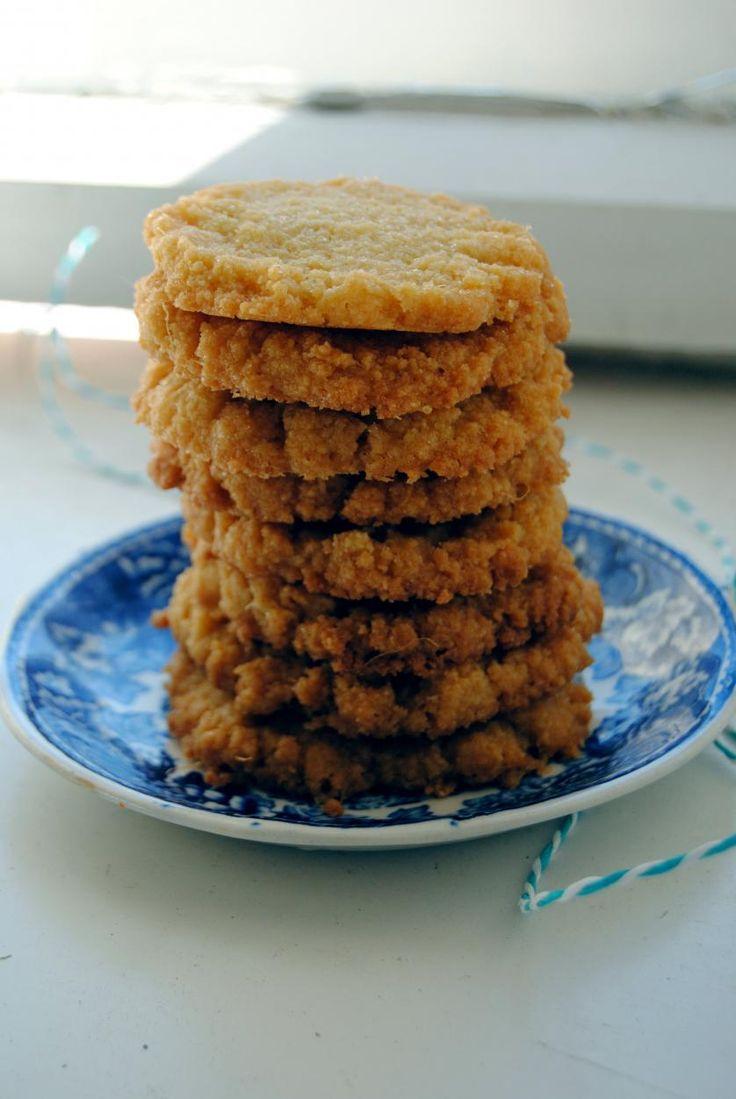 Inkivääri-mantelikeksit // Ginger & Almond Shortbreads Food & Style Pipsa Airaksinen, Terveen hyvää Photo Pipsa Airaksinen www.maku.fi