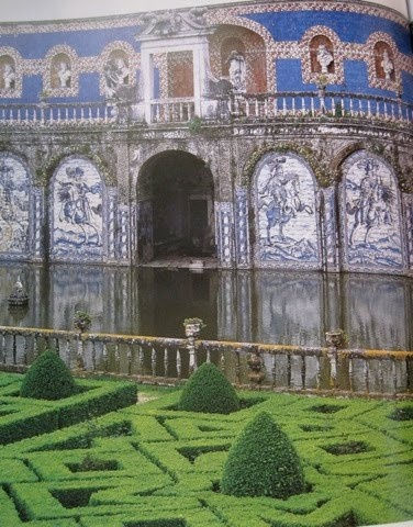 I want these hedges at my house, so cool! National Tile Museum (Museu Nacional do Azulejo)
