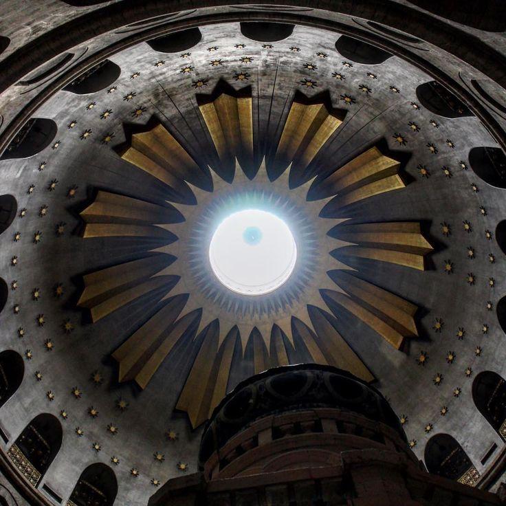 Be strong to have faith  #light #architecture #ancient #religion #faith#god#sky#sun#stars#trip #travel #travelgram #israel #itravel #израиль #иерусалим #старыйгород #jerusalem #israel http://tipsrazzi.com/ipost/1507133818062388069/?code=BTqajjuljtl