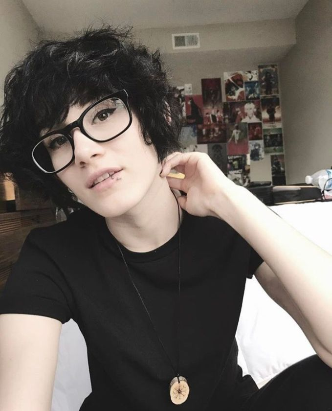 Pelo Pixie, Inspiration Mode, Fashion Inspiration, Fashion Ideas, Androgynous Fashion, Androgyny, Attractive People, Grunge Hair, Messy Hairstyles