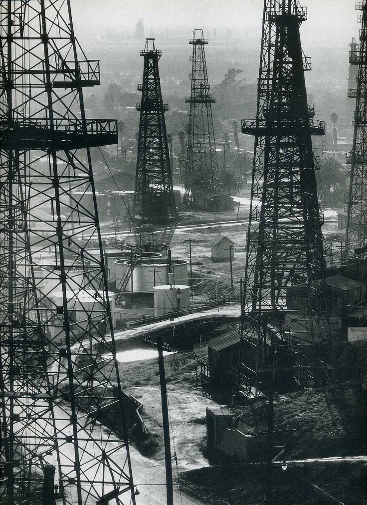 Forest of wells, rigs and derricks crowd the signal hill oil fields by Andreas Feininger. See the original picture here.