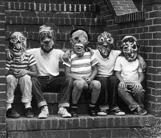 When Halloween was actually  fun. Creepy Vintage Halloween Photos...