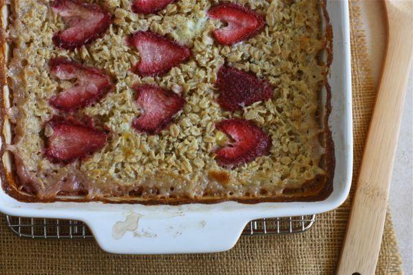 strawberry vanilla bean baked oatmeal