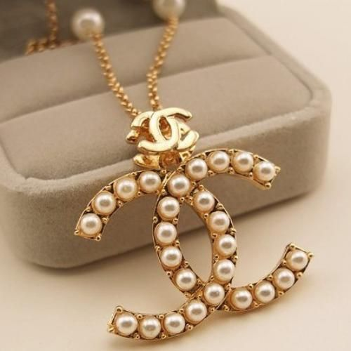 Mock Chanel Double C Pearls Decor Necklace