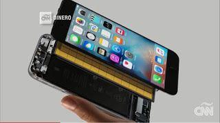 Bluetooth la nueva apuesta de Apple?   La compañía podría estar diseñando un dispositivo bluetooth para transmitir voz y música desde sus iPhones e incluso lanzaría un audífono de bajo costo.Fuente|CNN EN ESPAÑOL  actualidad Apple Bluetooth tecnologíar