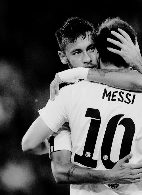 It's impossible not to like this picture. Neymar n messi