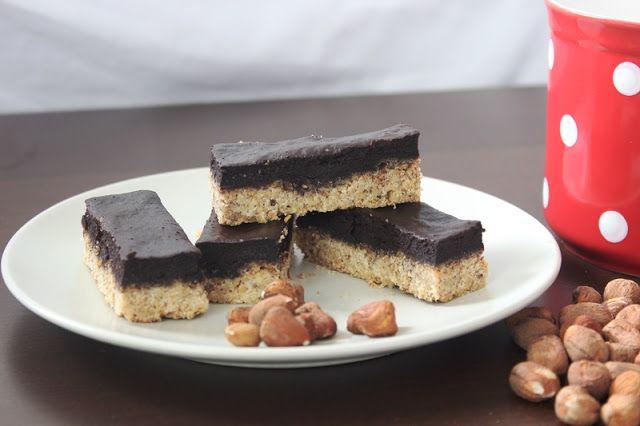 karolina-azzaro: Lieskovcovo čokoládové tyčinky