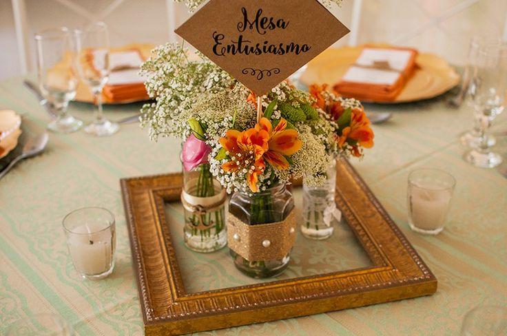 Casamento Lariz e Dudi  Plaquinhas personalizadas para cada mesa dos convidados...Fofa d+
